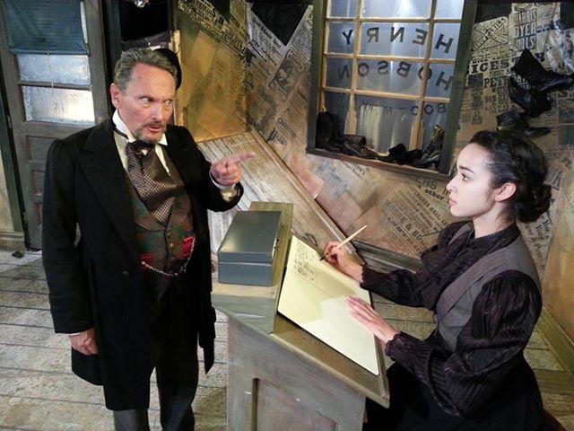 Peter Kingsley as Hobson & Katia Thomas as Maggie in HOBSON'S CHOICE Photo: Arnold Bueso