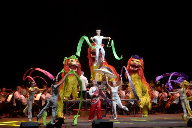 Peking Acrobats PHOTO: Ted Washington