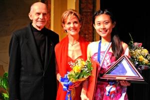(L-R) Jim Pokorski, Susie Pokorski & Grand Prize winner, Xuesha Hu. PHOTO: Dave Clements / DWC Photography